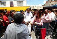 En su recorrido, la candidata Daniela de los Santos Torres se encontró con la molestia de los comerciantes por la inseguridad que viven y robos a sus mercancías