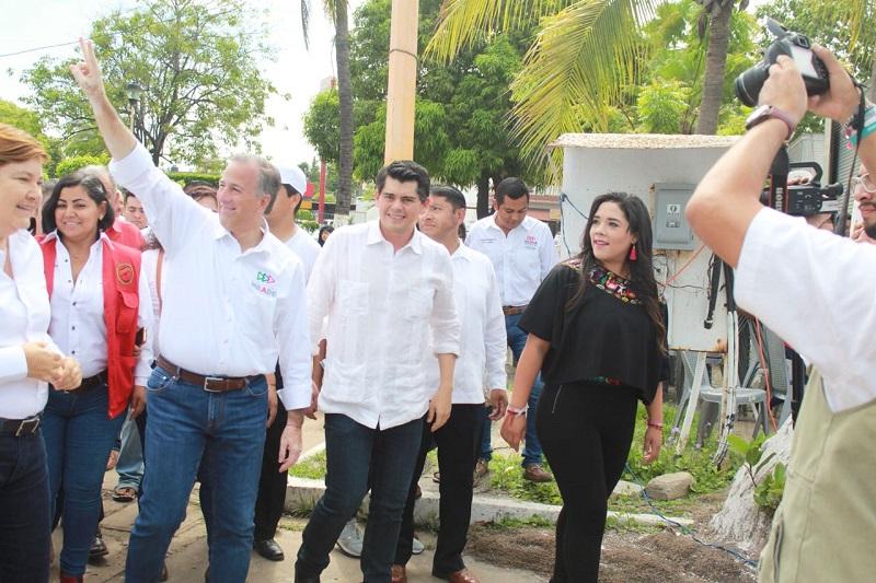 Pepe Meade llamo a no desoír los mensajes de retroceso que otras fuerzas políticas pretenden impulsar, como cancelar el seguro popular o perdonar a criminales