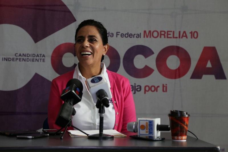 Luisa María Calderón agregó que priorizará que el 30% del gasto federal se vaya al pequeño negocio para que todos esos negocios se hagan fuertes y puedan seguir brindando 9 de cada 10 empleos de nuestro país