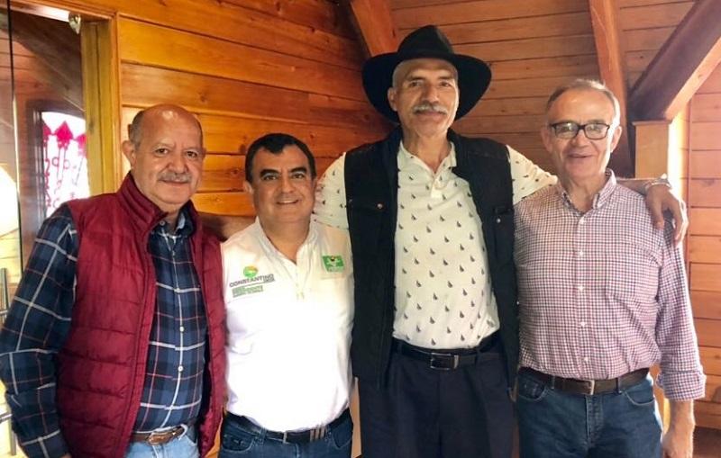 """José Manuel Mireles """"está trabajando con sus organizaciones, con la ciudadanía, para informar que su servidor Constantino es la opción del cambio"""", expresó Constantino Ortiz"""