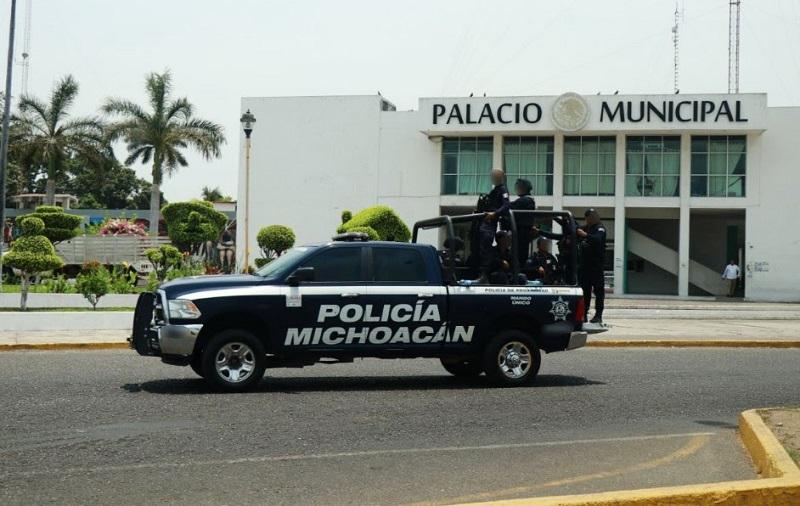 Durante la acción operativa, los hechores accionaron sus armas de fuego contra los agentes de la Policía Michoacán, sin que ningún elemento resultara herido