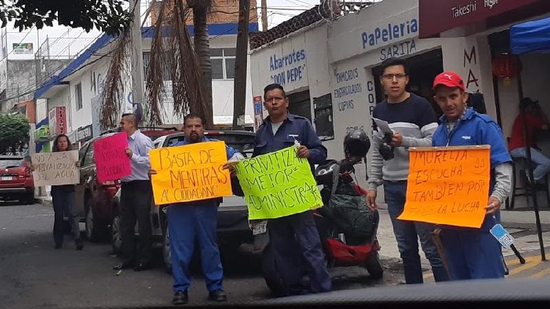 Trabajadores sindicalizados presentaron una propuesta para renunciar a parte del aumento de salario que les aprobó la Comisión Nacional de Salarios Mínimos; esperan respuesta del gobierno municipal para levantar la huelga (FOTO: SEBASTIÁN CASIMIRO)