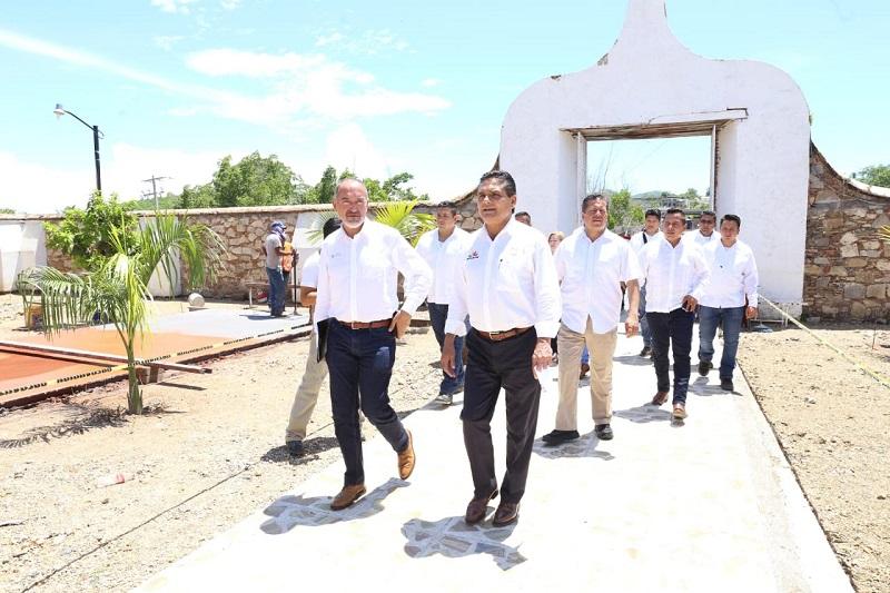 Aureoles Conejo recorrió el Templo de San Lucas, que será rehabilitado para atraer más turistas