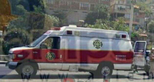 Al lugar acudieron paramédicos de la ABEM, los cuales le brindaron las primeras atenciones y ya que presentaba un traumatismo en cráneo siendo trasladada al Hospital Regional para recibir atención médica