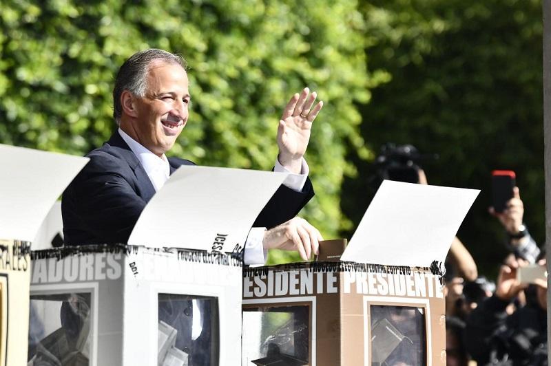 Luego de depositar su sufragio en la casilla, Meade sostuvo que este 1 de julio será una gran fiesta democrática y manifestó su confianza de que la jornada se desarrolle en tranquilidad