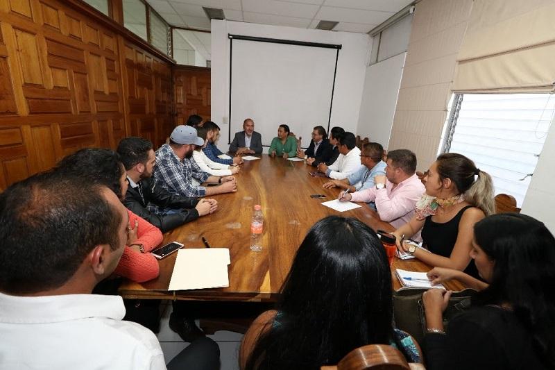 Domínguez López indicó que las obras proyectadas y ejecutadas por la SCOP, resuelven las necesidades y solicitudes más sentidas de la población, y su objetivo primordial es coadyuvar al bienestar social e incrementar la calidad de vida