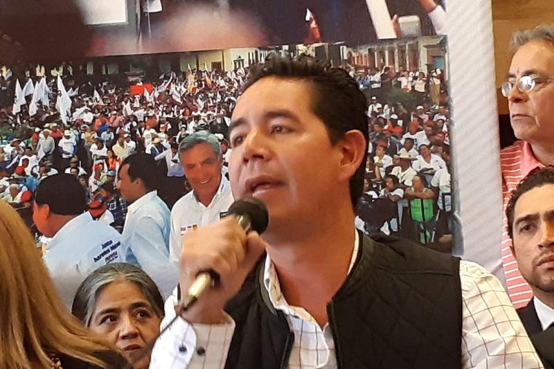 Iván Pérez Negrón destacó que en su distrito obtuvo una votación histórica, superior a los 47 mil votos (FOTO: SEBASTIÁN CASIMIRO)