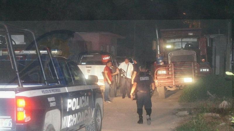Los ministeriales solicitaron apoyo llegando personal de su misma corporación, al igual que elementos de la Policía Michoacán, quienes participaron en el tiroteo donde se logró la captura de un sujeto de 25 años de edad