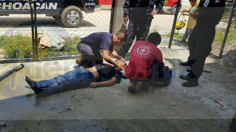 Los cuerpos de rescate le brindaron las primeras atenciones para posteriormente trasladarlo al Hospital Regional para recibir atención médica