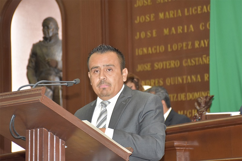 """El legislador, resaltó que para consultar las bases y requisitos, pueden visitar las redes sociales oficiales, en Facebook """"Congreso del Estado de Michoacán"""", """"Poder Legislativo de Michoacán"""" y en Twetter @CongresoMich"""
