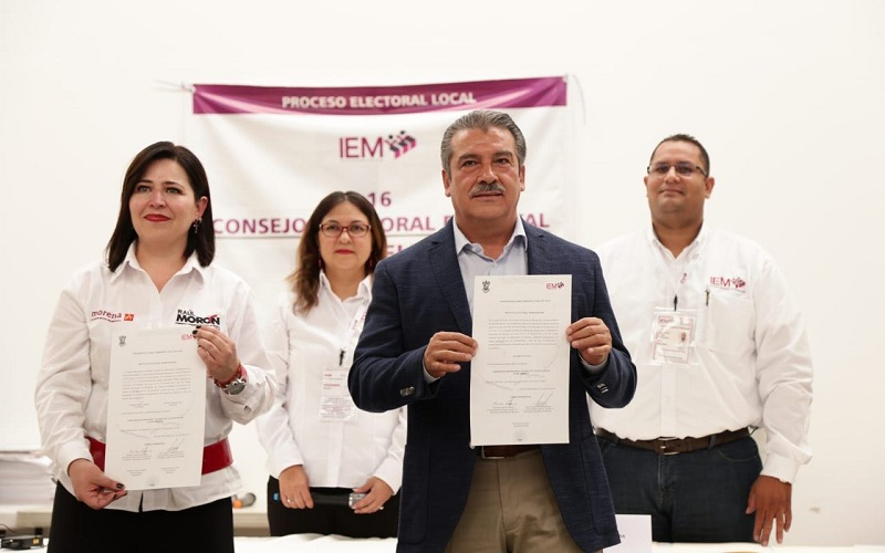 """Los demás candidatos, señaló Morón Orozco, pusieron en la mesa las diferentes visiones para Morelia a través de sus propuestas, """"en muchas de ellas coincidimos, tengan confianza en que representaremos lo que ellos enarbolaron"""", indicó"""
