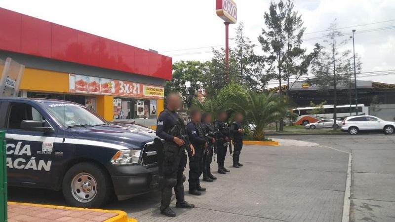 Con la instalación de filtros de vigilancia y prevención del delito en los sectores 3, 4 y 11, el personal de la Policía Michoacán se establece en diversos puntos del Libramiento desde la avenida Periodismo hasta la salida a Mil Cumbres