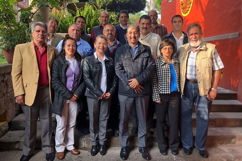El rector de la UMSNH y socio fundador del Colegio, Medardo Serna González, manifestó su beneplácito por la formalización del Colegio y deseó a su primer presidente todo el éxito en la encomienda