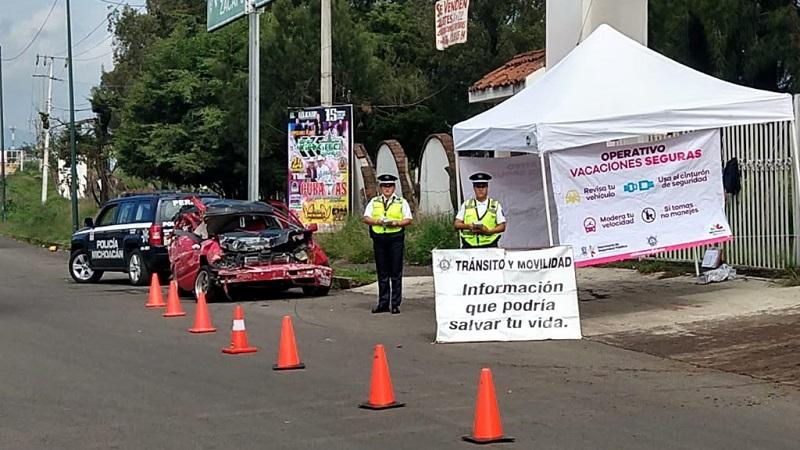 A los conductores y acompañantes se les orienta e invita a revisar su automóvil antes de salir a carretera, respetar los límites de velocidad, usar el cinturón de seguridad y no conducir bajo los efectos del alcohol o sustancias toxicas