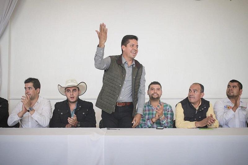 Antonio García Conejo agradeció la confianza entregada en su persona y proyecto legislativo, pues subrayó que en esta gira reforzará sus propuestas con la voz de todos los michoacanos