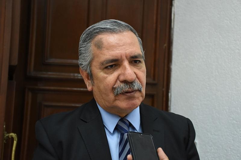 El diputado del PRI recordó que a nivel nacional hay 20 entidades que ya nombraron sus fiscales generales, pero la reforma legal está presente y en el caso de Michoacán aún no se ha hecho dicha adecuación al marco legal
