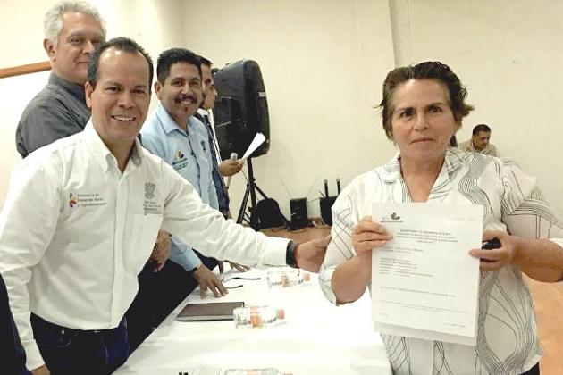 En esta segunda entrega de recursos, productores y productoras recibieron incentivos que suman un millón 558 mil 625 pesos, detalló el secretario Rubén Medina Niño.
