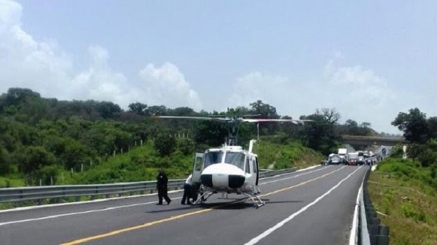 En el lugar se mantienen los agentes policiales realizando labores de tránsito para agilizar el flujo vehicular
