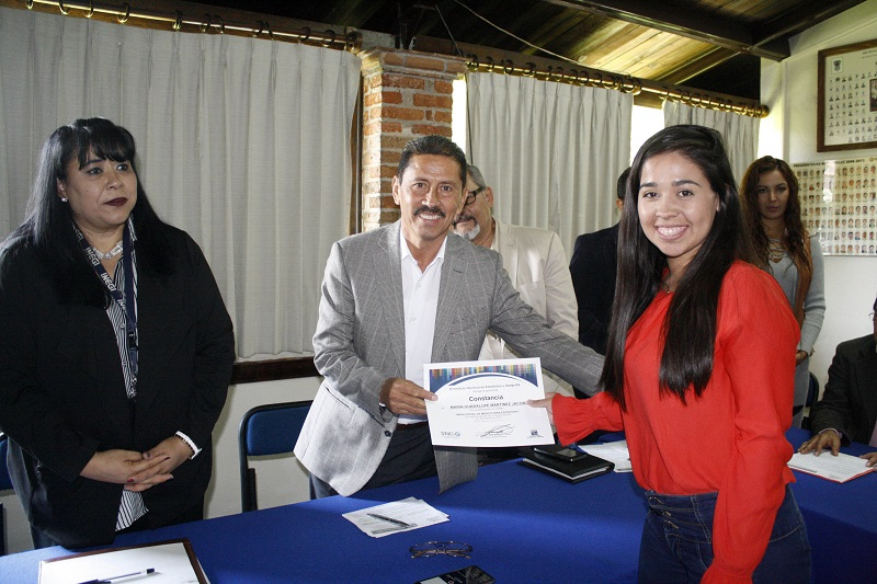 Este taller formó parte del Programa Especial para el Fortalecimiento del Desarrollo de los Municipios del Estado de Michoacán, del Cedemun, y fue impartido por el Instituto Nacional de Estadística y Geografía