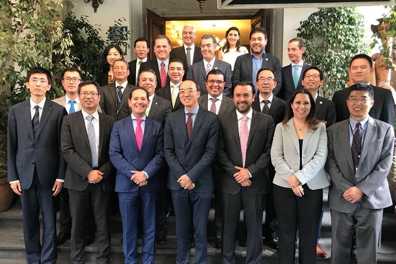 El titular de la Sedeco informó que se revisaron proyectos de infraestructura para la Zona Económica Especial con los representantes de las entidades bancarias más importantes del país asiático y del mundo