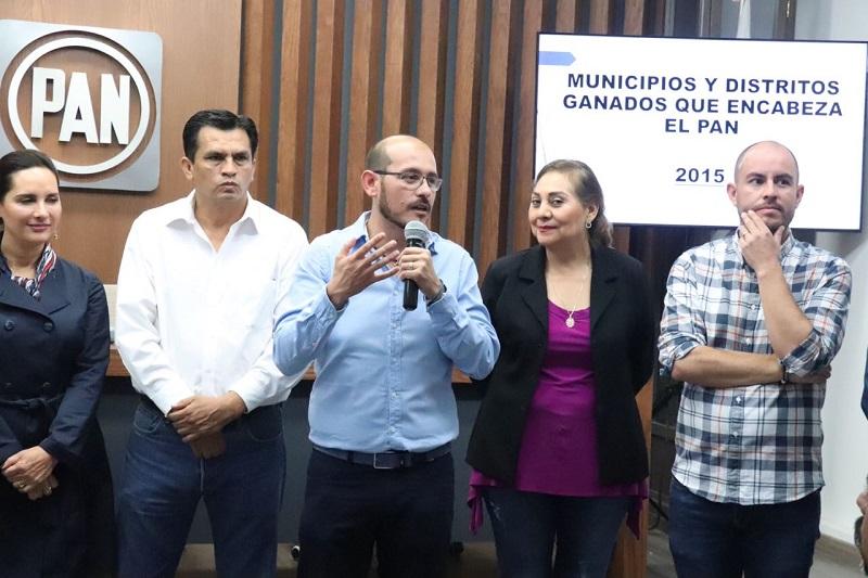 Hinojosa Pérez hizo un llamado a los presidentes municipales de los comités del PAN a trabajar muy fuerte desde su trinchera, para consolidar la confianza de la gente