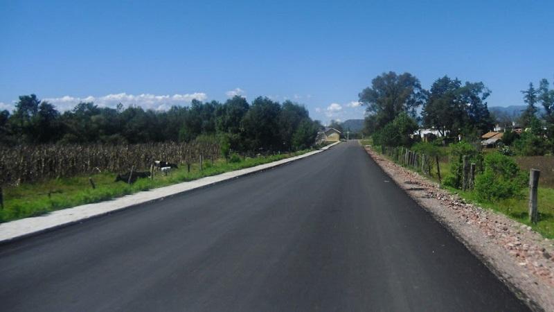 La JC rehabilitó el tramo Áporo - entronque carretero (Ocampo - Angangueo), entre los kilómetros 6+000 y 22+000 y ejecutó la pavimentación asfáltica del camino Arroyo Seco, que permiten a la ciudadanía desplazarse con agilidad y seguridad