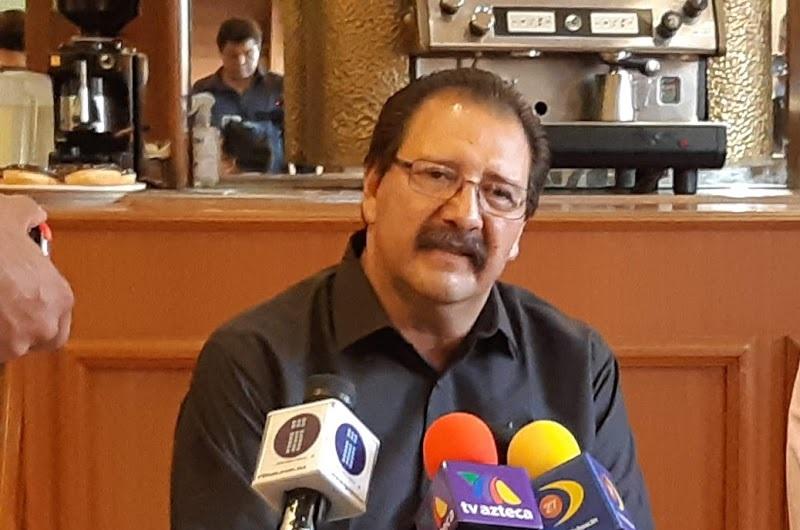 Sandoval Flores, exigió a las autoridades dar con el o los responsables de este cobarde hecho, además, recordó que todo el sistema de seguridad del estado, así como, la procuración de justicia tiene una añeja deuda con los Michoacanos