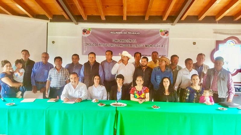 Sedrua y Sagarpa atestiguan el nacimiento de la organización de este importante grupo de productores; ofrecen todo el respaldo para que este cultivo pueda exportar en poco tiempo