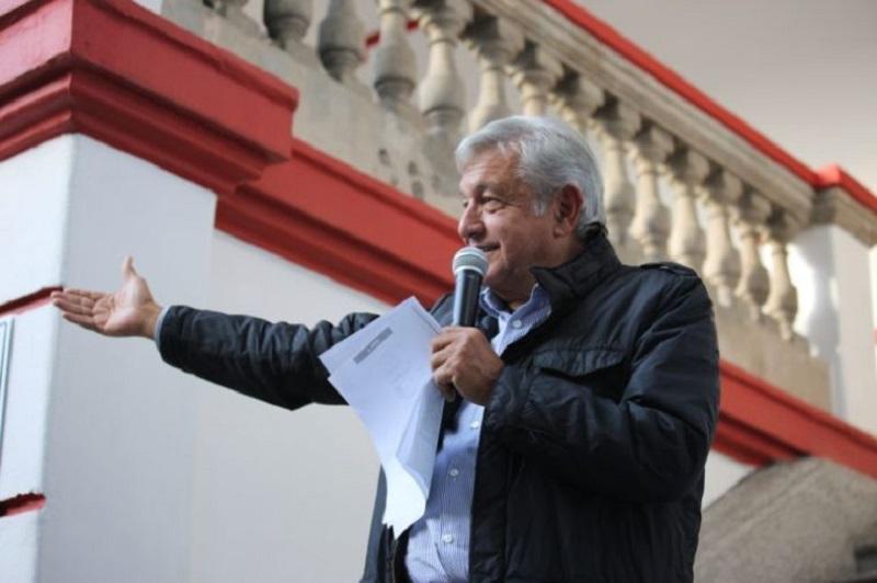 López Obrador argumentó que desde los tiempos de la campaña fue evidente –según él- que había una intensión del INE para dañar moralmente a Morena