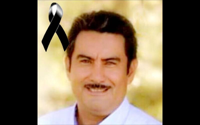 El político recibió varios impactos de bala, siendo auxiliado por paramédicos y trasladado a un hospital privado en la ciudad de Uruapan, en donde los médicos confirmaron la muerte del ex candidato