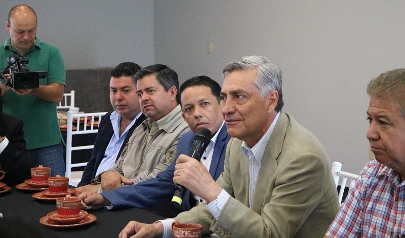 Arias Solís señaló que al entrar en funciones desde la Cámara Alta del Congreso de la Unión respaldará y apoyará a los afiliados a este organismo empresarial, ya que señaló será su aliado para unir esfuerzos en beneficio de Michoacán