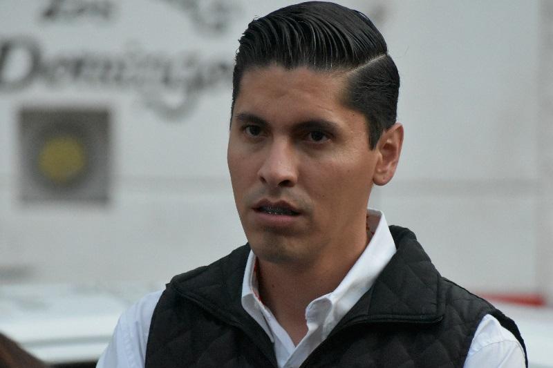 Como organismo político no buscamos ni promovemos este tipo de confrontaciones, por lo que rechazamos cualquier vínculo que se pretenda hacer hacia Movimiento Ciudadano Michoacán, remarcó Javier Paredes