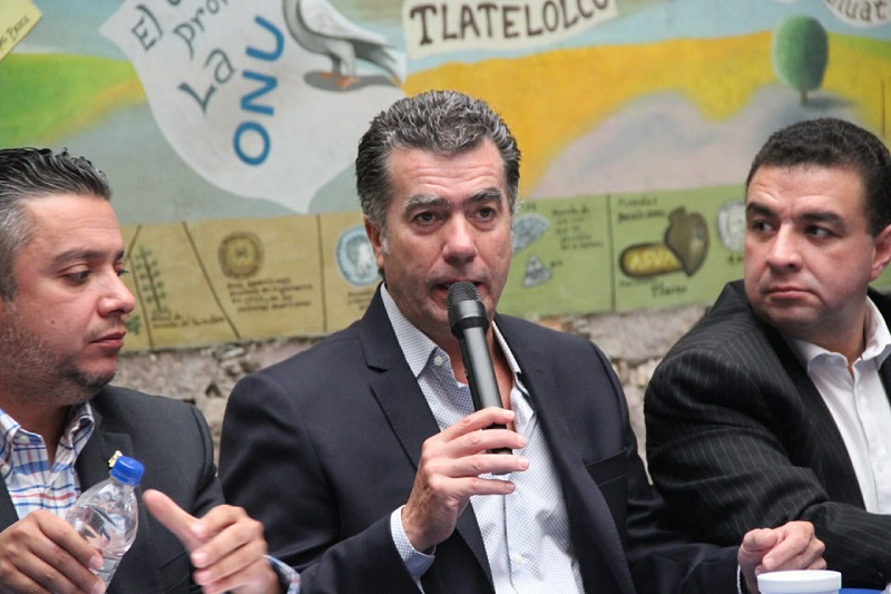 """""""Es el momento de aprovechar el cambio de gobierno que tendremos a nivel federal para cambiar integralmente la política de combate al narco y a los grupos delincuenciales"""": Agustín Arriaga"""