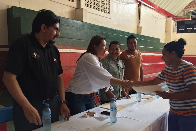Seimujer y Sí Financia entregan 30 créditos con una derrama económica superior a los 250 mil pesos