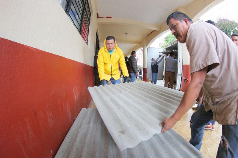 Son cientos de viviendas afectadas, nos duele el impacto que esto representa a las familias que las habitan, afortunadamente, el Gobierno del Estado atiende la contingencia para contribuir a la reparación de las mismas: Barragán Vélez