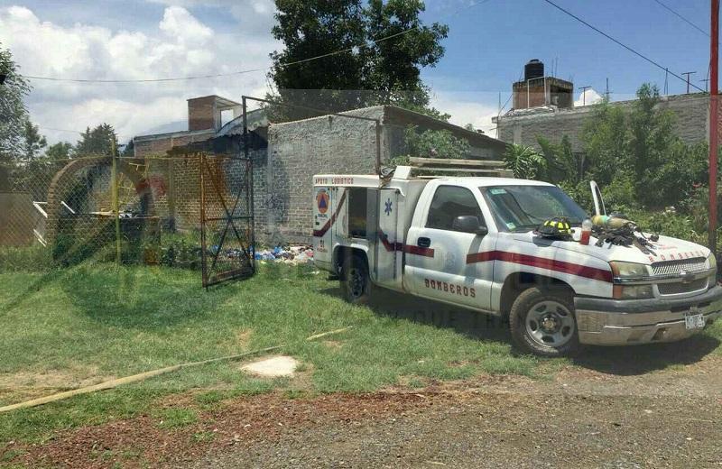 Minutos antes de las 13:00 horas alertaron al personal de Protección Civil y Bomberos de Pátzcuaro que en un camino de terracería en la comunidad de El Manzanillal se estaba quemando una vivienda