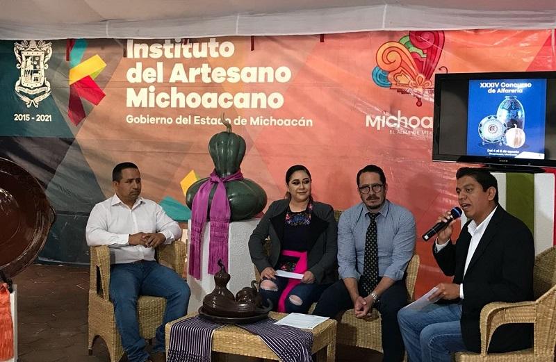 El director general del IAM, Claudio Méndez Fernández, mencionó que la inscripción de piezas se realizará el 3 de agosto, de 10:00 a 12:00 horas, en la Casa de la Cultura de Zinapécuaro