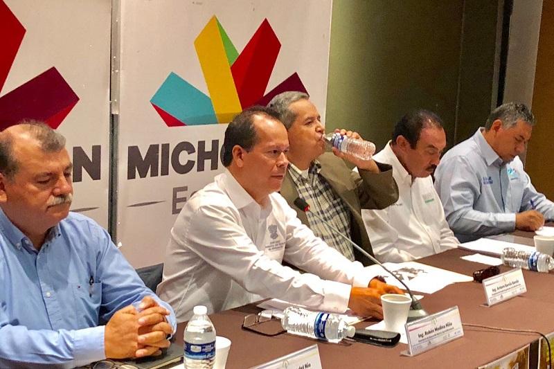 Michoacán produce cerca de 2 millones de toneladas de maíz, ocupando el quinto lugar nacional; en el país se producen alrededor de 25 millones de toneladas y se importan 14 millones de maíz forrajero, señalan