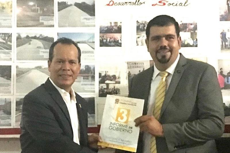 Reconoce el alcalde Juan García Navarro el respaldo del Gobernador Silvano Aureoles Conejo a su municipio, durante su tercer Informe de Gobierno