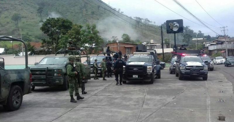 A decir de las autoridades, el día de hoy se reforzó la vigilancia en esa región ubicada entre los municipios de Uruapan y Tancítaro, apoyados de 50 uniformados a bordo de 10 patrullas de las dependencias federales y estatales
