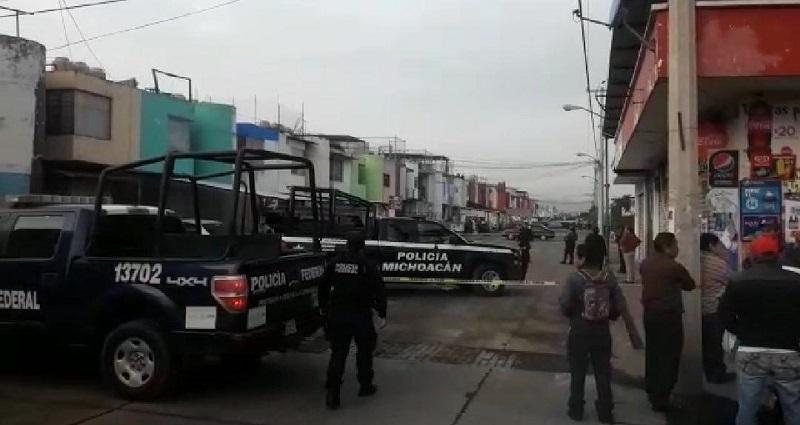 Una persona del sexo masculino fue ejecutada de varios impactos de arma de fuego cuando viajaba bordo de su automóvil, en las calles del Fraccionamiento Valle Real