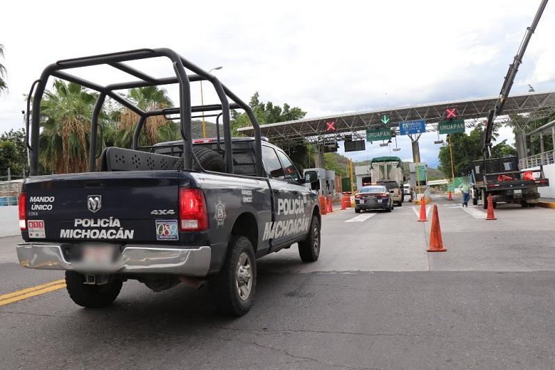 Al volante deberán usar el cinturón de seguridad, y no conducir con el celular ni cansado, respetar los límites de seguridad establecidos en las señaléticas carreteras