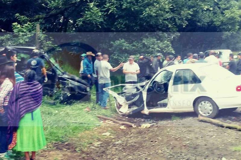 Al lugar acudieron unidades médicas de Protección Civil Paracho, Uruapan, Radio Organizado de Auxilio, Grupo SCAPH y de la Cruz Roja,  así como Policía Michoacán