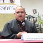 """En otro tema, Medina Garfias recordó que en estos días, más de 10,000 peregrinas de a pie al Tepeyac, """"originarias de la Diócesis se encaminan a la Basílica de Guadalupe para ponerse bajo la mirada de la Señora y Reina de los mexicanos, nuestra Madre de Guadalupe"""""""