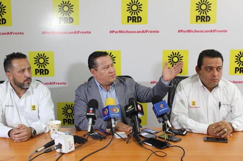 Pedirle al dirigente de Morena que se serene, que le haga caso a su líder y guía moral, el señor López Obrador, de tomarse un té de tila, anda muy nervioso, anda muy desesperado, un poco desequilibrado en temas de los que necesita Michoacán coincidencia y no divergencia: García Avilés