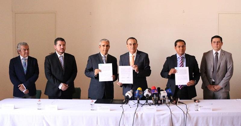 El acuerdo hoy signado comprende brindar facilidades administrativas y costos accesibles para las personas de escasos recursos, con la finalidad de optimizar el cumplimiento de las obligaciones fiscales de este sector