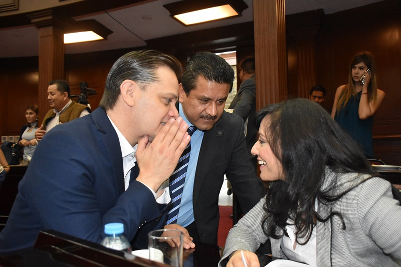 Durante la sesión extraordinaria se informó al Pleno Legislativo la integración de la Junta de Coordinación Política, misma que estará presidida por la legisladora Adriana Hernández Íñiguez