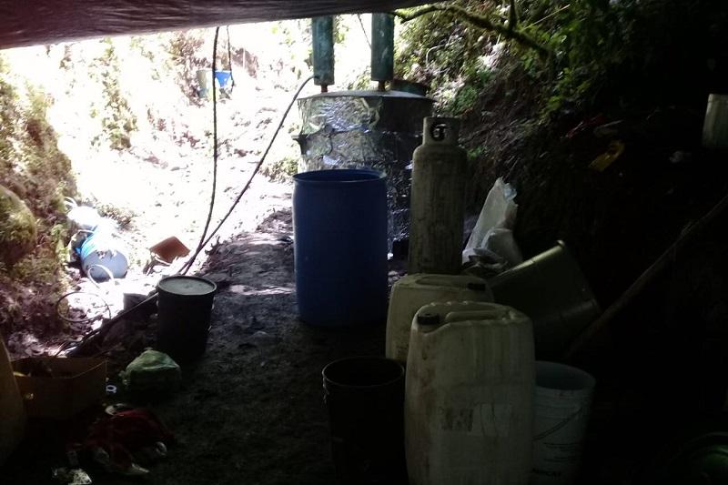 Los imputados, sustancias químicas y utensilios de laboratorio, fueron puestos a disposición del Ministerio Público de la Federación por efectivos de la Policía Michoacán en  Morelia