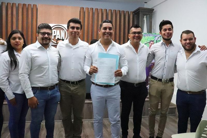 El actual secretario juvenil, José Hildegardo Rodríguez Bedolla, agradeció el apoyo brindado por la dirigencia estatal durante su administración; llamó a los contendientes a cambiar la realidad en México y realizar una política distinta donde los jóvenes participen de manera activa