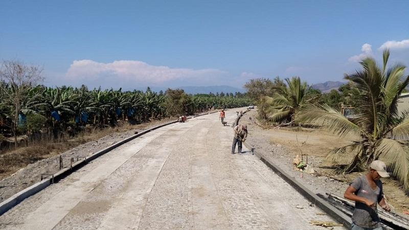 Se han construido acciones de infraestructura carretera, deportiva, alimentaria y de servicios básicos en el municipio de Coahuayana